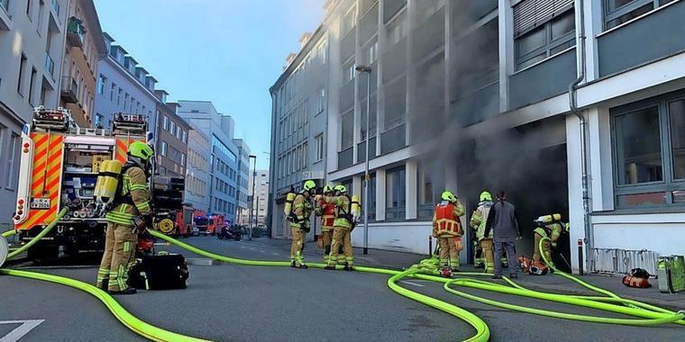 Schweden Autos Brennen